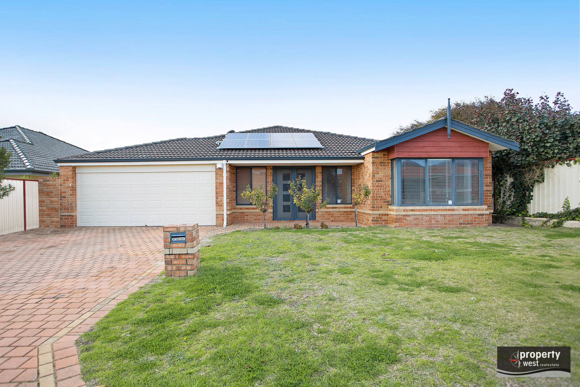 GREAT SIZED FAMILY HOME AVAILABLE NOW!