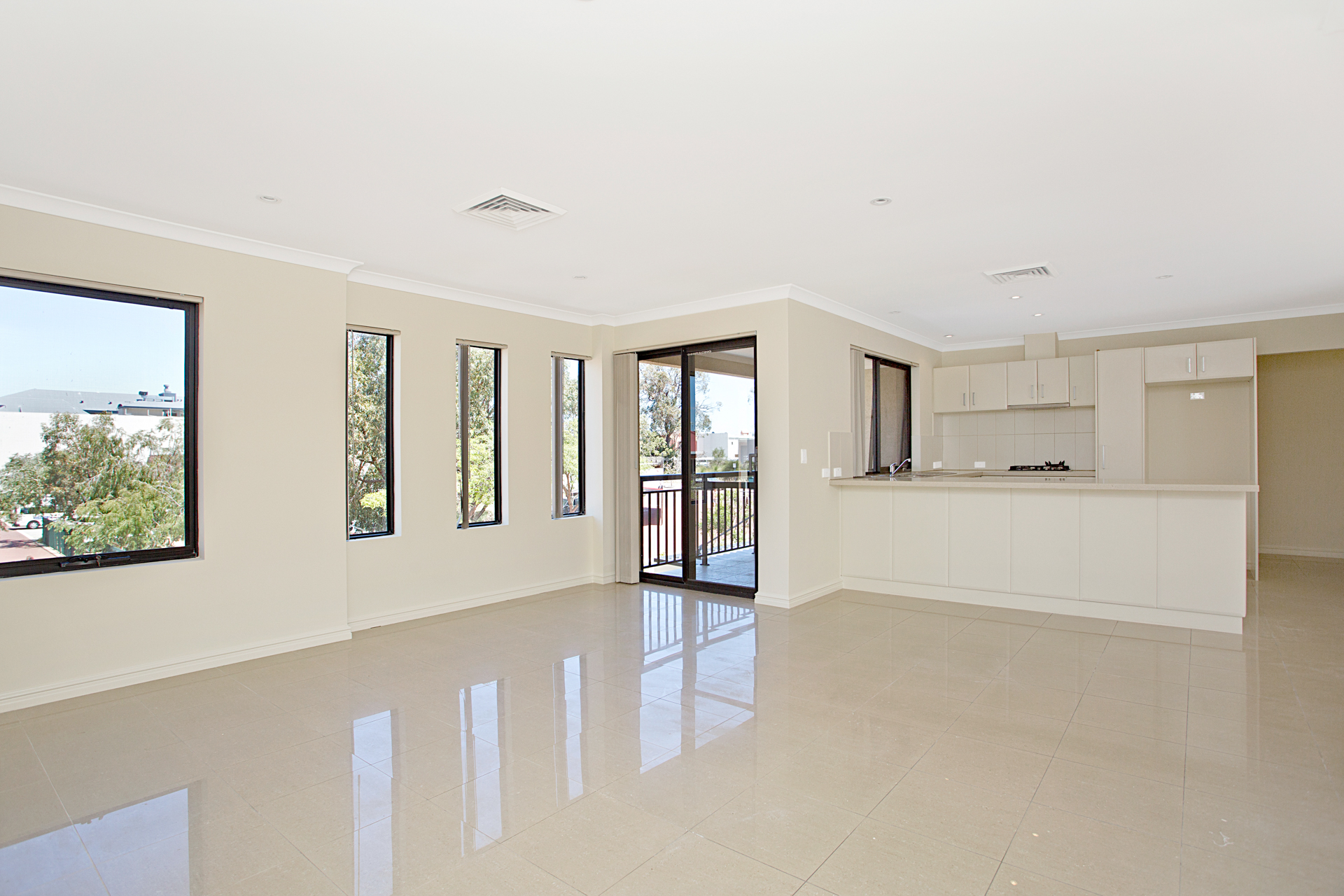 CENTRALLY LOCATED QUALITY APARTMENT