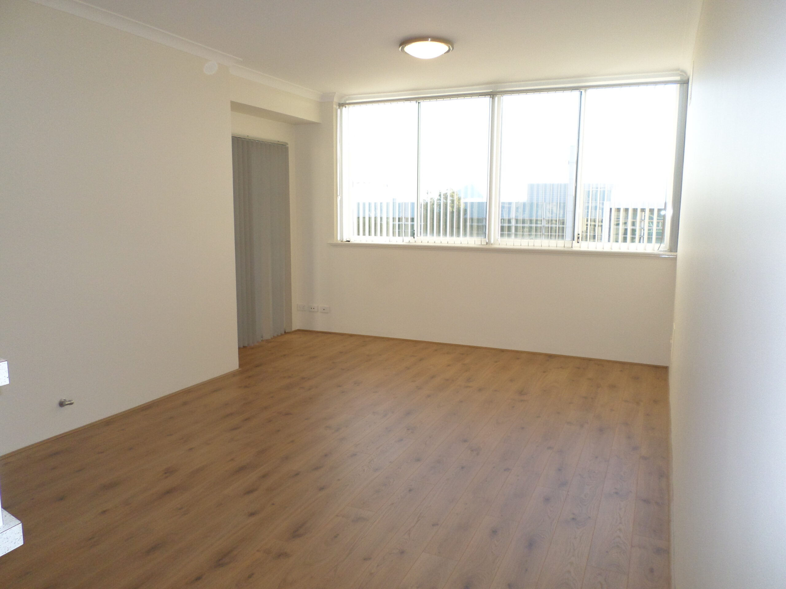 CENTRAL APARTMENT AVAILABLE!